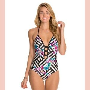 KENNETH COLE PUSH UP/TUMMY CONTROL ONE PIECE